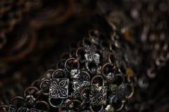 Старая серебряная предпосылка браслета Стоковая Фотография RF
