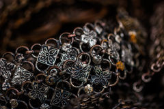 Старая серебряная предпосылка браслета Стоковое фото RF