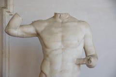 Старая скульптура римского человека в ваннах Diocletian Стоковые Фотографии RF