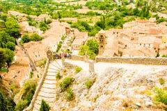 Старая средневековая деревня Moustiers Sainte Мари, Провансаль, Verdo стоковые изображения rf