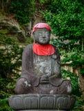 Старая статуя Будды на виске стоковое изображение