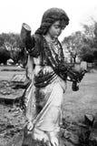 Старая статуя угла в кладбище 2 Стоковая Фотография RF