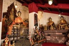 Старая статуя Wat Phra Mahathat Woramahawihan Будды в Nakhon Si t Стоковые Изображения