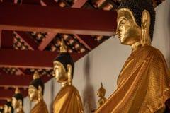 Старая статуя Wat Phra Mahathat Woramahawihan Будды в Nakhon Si t Стоковые Фотографии RF