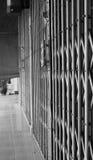 Старая стальная дверь скольжения Стоковое Изображение