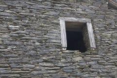 старая стена камней Стоковая Фотография