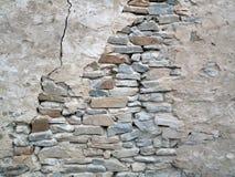 Старая стена крошащаяся порода Стоковое Изображение