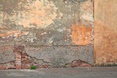 старая стена шелушения краски Стоковая Фотография
