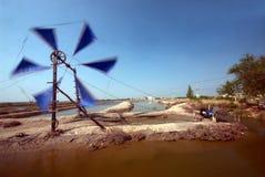 Старая тайская традиционная мельница насоса и ветра колеса воды Стоковая Фотография RF