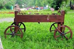 Старая тележка в парке Стоковые Фото