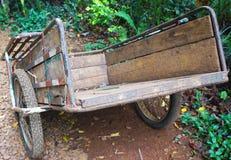 Старая тележка в сельском Стоковое Фото