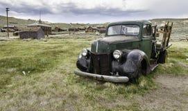 Старая тележка приемистости в Bodie, Калифорнии Стоковое Фото