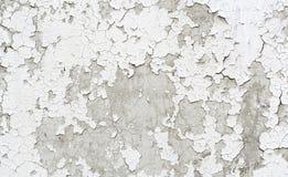 Старая треснутая покрашенная стена гипсолита Стоковые Фотографии RF