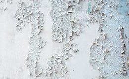 Старая треснутая покрашенная стена гипсолита Стоковое Изображение