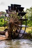 Старая турбина используемая для того чтобы нарисовать воду для земледелия стоковые фото