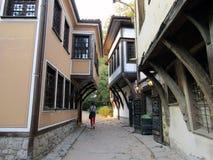 Старая узкая улочка городка стоковое изображение rf