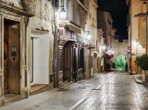 старая улица вечером в St Tropez, Франции стоковые фотографии rf