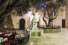 старая улица вечером в St Tropez, Франции стоковое фото rf