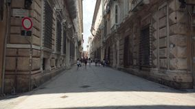 Старая улица в Генуе сток-видео