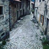 Старая улица города в Италии Стоковая Фотография