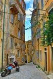 Старая улица Корфу Греция городка Стоковое Изображение