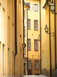 старая улица stockholm Стоковые Фотографии RF