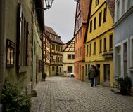 Старая улица tauber der ob rothenburg Стоковое фото RF