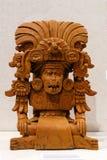 Старая урна Zapotec погребальная в форме божества стоковое изображение rf