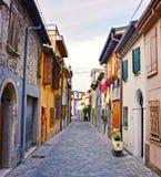 Старая улица в Римини, Италии Стоковая Фотография RF