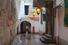 Старая улица города стоковая фотография rf