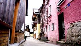 Старая улица Hallstatt городка Стоковые Изображения RF