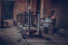 Старая фабрика для продукции бледных кирпичей от глины для buil Стоковые Изображения