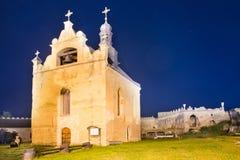 Старая церковь в замке на ноче Стоковые Изображения RF
