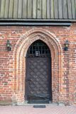 Старая церковь в Центральной Европе Религиозное здание красного bri стоковое изображение rf
