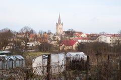 Старая церковь в Cesis, Латвии Исторические здания и город Стоковые Изображения