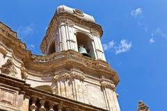Старая церковь города в улице Herceg Novi Городок Herceg Novi в Черногории Крепость в старом городке в солнечном летнем дне стоковое фото rf