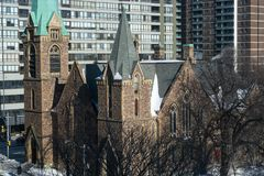 Старая церковь города стоковые изображения