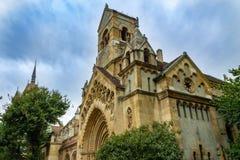 Старая церковь на улице в центре Будапешта Венгрии стоковое фото rf