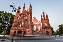 Старая церковь Святой Анны в Вильнюсе, Литве Видный ориентир в старом городке Вильнюса включил в списке ЮНЕСКО стоковое изображение