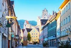 Старая часть города Fussen в красивом солнечном утре после ` s Eve Нового Года, Баварии, Германии Стоковая Фотография RF