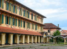 Старая школа в центре города в Dalat, Вьетнаме Стоковое фото RF