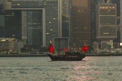 Старая шлюпка старья в Гонконге стоковое фото rf