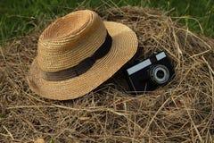 старая шляпа с камерой Стоковые Изображения RF