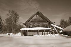 Старая деревянная дом Стоковые Изображения