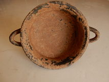 Старая encrusted ваза Стоковые Изображения RF