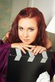 Старая-fasioned актриса в пурпуре Стоковое Изображение