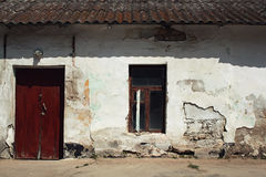 Старая grunged стена Стоковые Фото