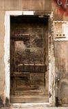 Старая locked дверь Стоковая Фотография RF