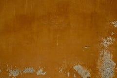 Старая ocher стена стоковое изображение rf