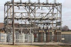 Старея электрическая подстанция Стоковая Фотография